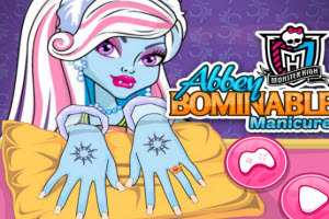 Abbey Bominable Manicure